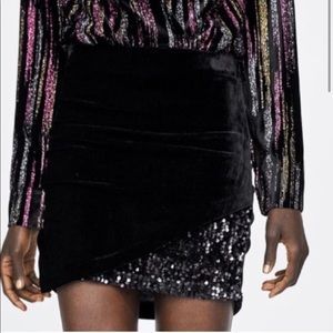 ✨🆕ZARA Velvet Sequin Black Mini Skirt✨